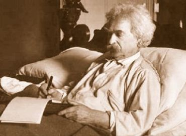 marktwain-in-bed.jpg