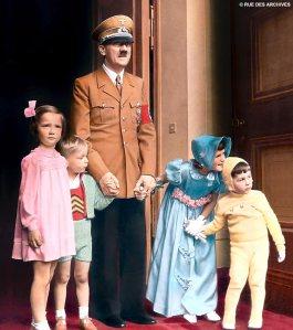 Hitler_using_children_as_props