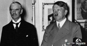 Neville_Chamberlain_Adolph_Hitler